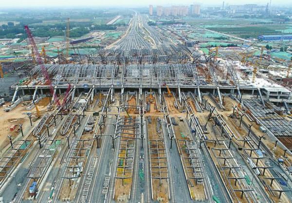 石济客专与济青高铁接轨济南东站 钢铁架构震撼