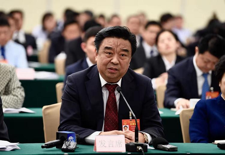 邱亚夫:把新动能新兴产业发展提升为国家战略