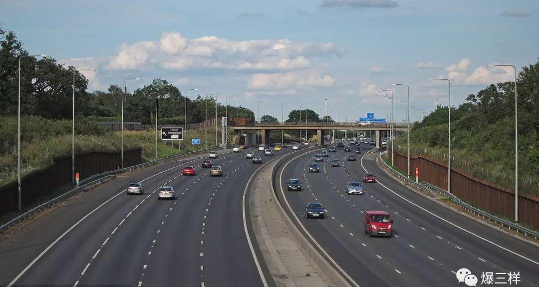 五一自驾出行注意了 G20青银高速有多个施工封闭路段