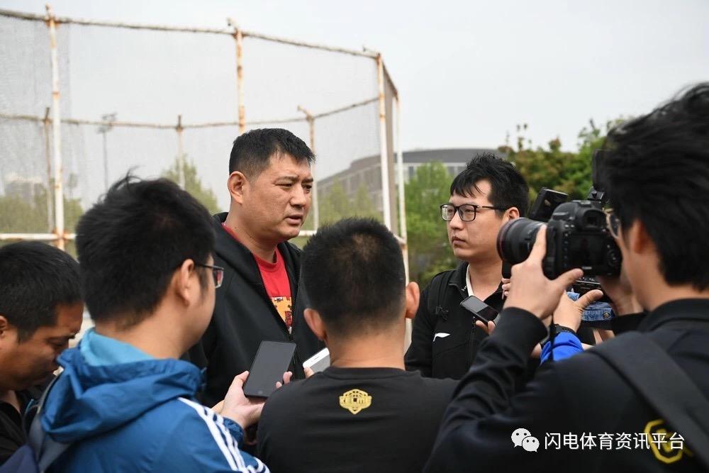 山东男篮正式集结,巩晓彬谈小丁回归