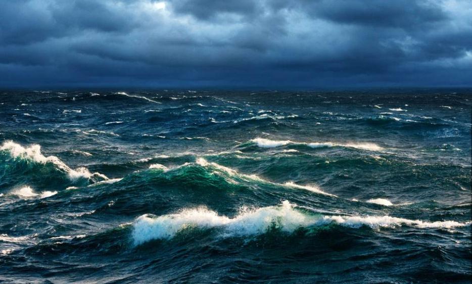 一艘河北籍船舶在山东日照遇风倾覆7人遇难2人失联