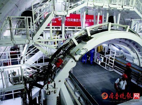 """""""万里黄河第一隧""""正式盾构掘进 计划2021年10月完工通车"""
