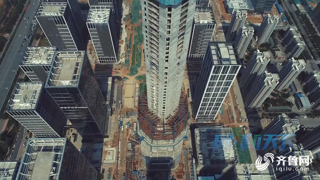 """济南""""第一高""""易主 汉峪金谷主楼破306米"""