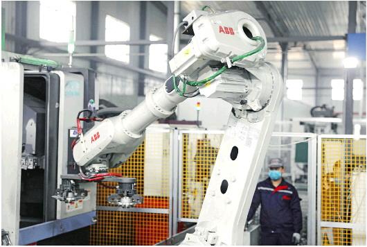 """机器换人+企业""""上云"""" 山东企业向技术要产能"""