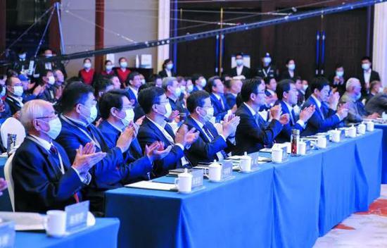 张兆宏出席滨化集团合作伙伴大会暨投产运行50周年庆典