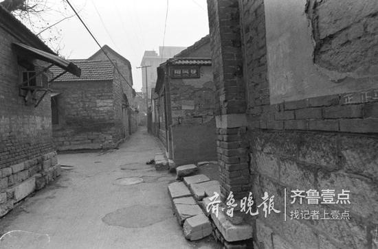 2000年,芙蓉街隔壁的翔凤巷。