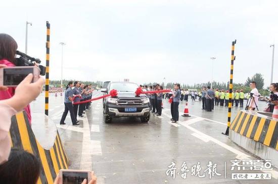 山东再添一双向八车道高速公路 滨莱高速改扩建通车