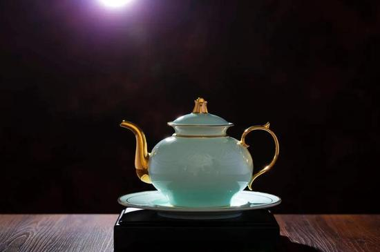 淄博陶瓷惊艳世界,上合青岛峰会元首用瓷