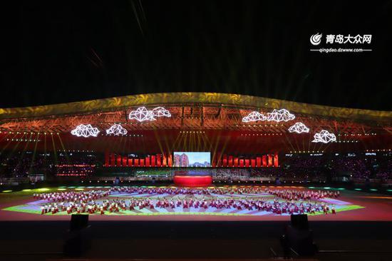 本届省运会开幕式文艺表演。大众网记者毕天宇摄