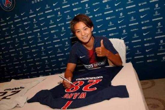 在加盟大巴黎俱乐部后,王霜多次帮助球队取得关键进球。