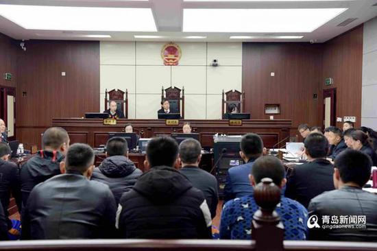 市南法院审理恶势力团伙犯罪案件。