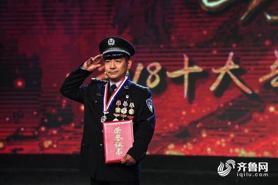 济南市公安局特警支队作训处副调研员、排爆中队负责人张保国