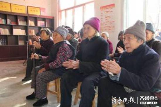 滨州爱心人士为阳信26位80岁以上老人发放2万元红包