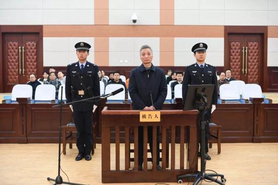 被控受贿920余万 山东省政府驻京办原主任窦玉明受审