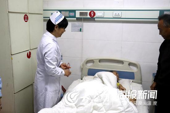 临床护理一个平凡的岗位 菏泽白衣天使一干就是28年