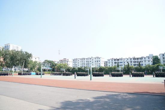 《【摩登2娱乐客户端登录】济南中学举行2020级新生军训闭营式》