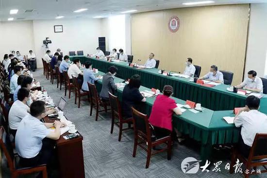 刘家义到山东职业学院调研并召开座谈会 向全省广大教师和教育工作者致以节日问候