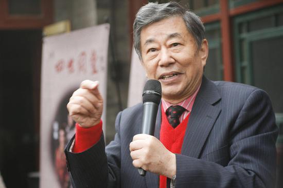 老舍之子舒乙去世 16年前曾接受山东台采访回忆父亲的济南情缘