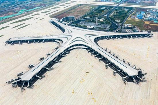 青岛胶东国际机场8月12日零时转场 同步关闭流亭机场