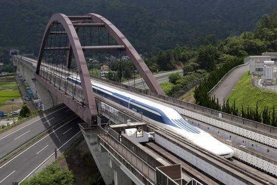 日本山梨磁浮试验线载人行驶的最高时速纪录为603公里。来源:日本山梨县官网