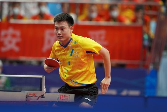 山东选手刘丁硕获得全运会乒乓球男单银牌