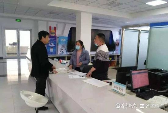 新泰市西张庄镇顺利承接22项下放行政审批服务事项