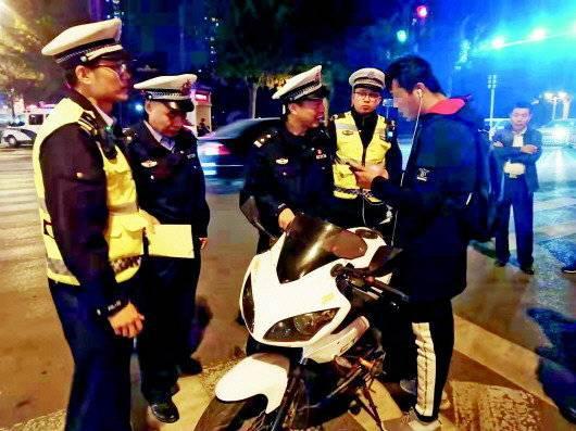 """超载 酒驾 摩托车""""炸街"""" 临淄交警集中整治"""