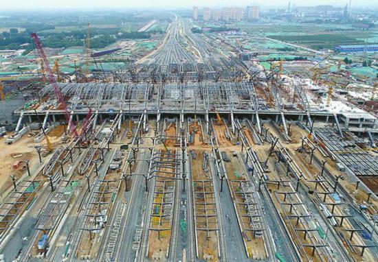 建设中的济南东站。记者王锋 张晓园摄影报道