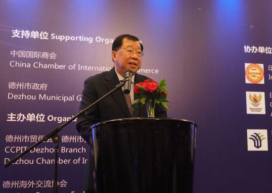 印尼中华总商会常务副总主席张锦雄发言
