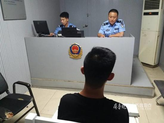 凌晨2点多,民警还在依法讯问涉嫌诈骗的王明