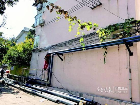文化西路一单元楼正在进行管道改造,施工对低层会有一定影响。