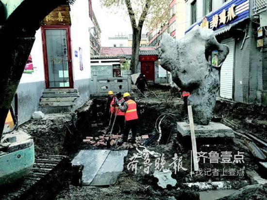 新泉与芙蓉泉之间的连接通道正在建设中。