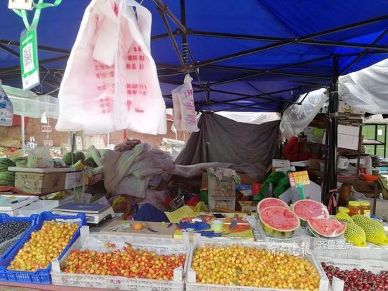 街边水果摊仍可免费试用塑料袋