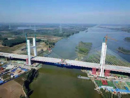 微山湖特大桥合龙 今后枣庄至菏泽只需两小时