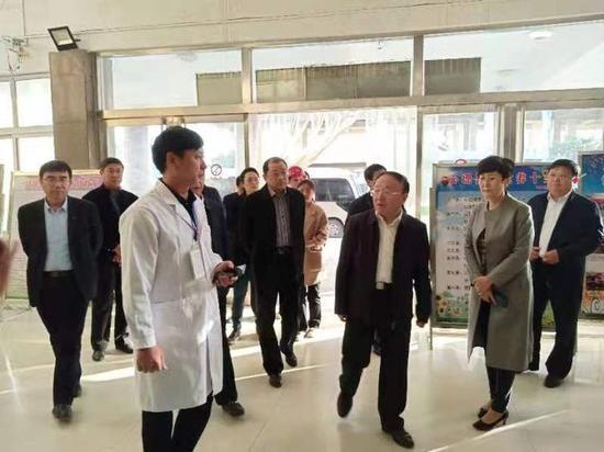 曹升灵一行到冉堌镇中心卫生院调研加强基层医疗卫生事业发展12条意见落实情况