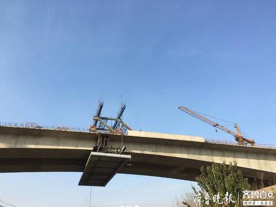 日照厦门路南延特大桥工程桥梁主线全部贯通