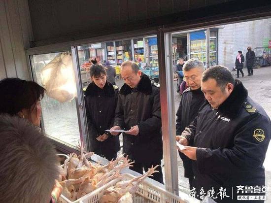 张店区市场监管局检查市场活禽交易 取缔31家经营户