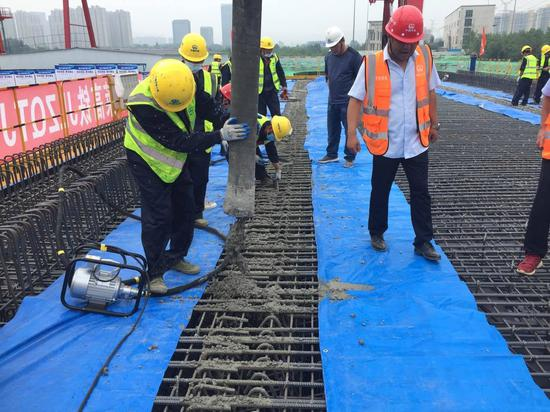 搬遷 深圳濟萊高鐵一標首榀箱梁澆筑成功 濟棗高鐵在這里接軌