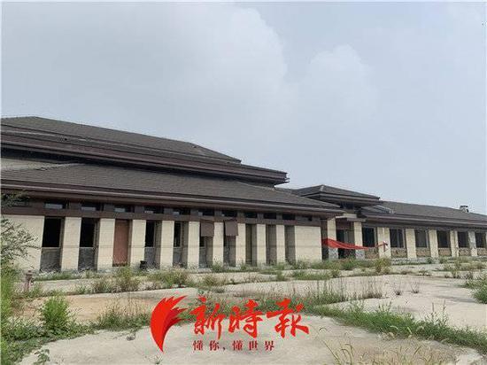 济南一造价千万元的房地产营销中心无人管 频被偷盗
