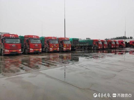 """禹城联合治超 一次查获10辆""""百吨王"""""""