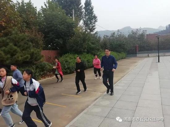 生命因运动而精彩——章丘垛庄中学特色课间操、早操长跑活动有序展开