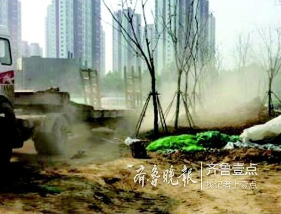 济南市长清区文昌山公园建设工程二标段工地扬尘严重。