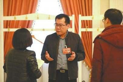 (今年济南市两会期间,宋卫东接受记者采访)