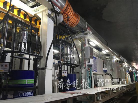 中铁四局承建的济南市轨道交通R3线一期工程三标,包含2站2区间,线路总长度约1.83公里,工程造价5.41亿元。
