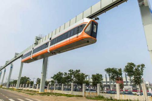 青岛造国内最高速空中列车下线 爬坡能力是地铁3倍