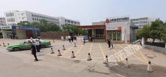 山东科技大学泰安西校区摄影记者李东