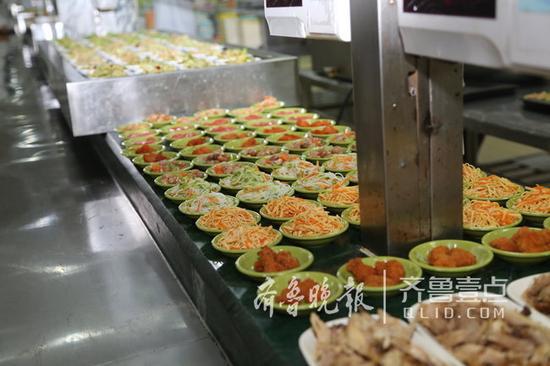 怎么丰富怎么来,学生餐也能吃出乐趣