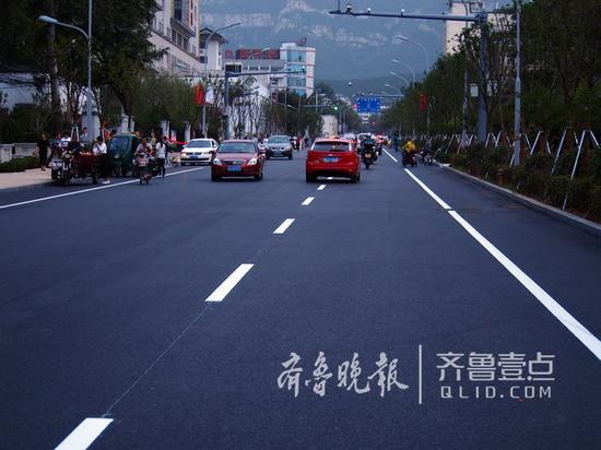 9月22日,济南拆违改造样板山师东路通车。 记者 周青先 摄