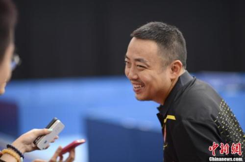 资料图:刘国梁接受采访。记者 廖攀 摄