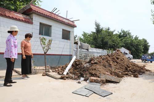 寿光圣城街道旱厕改造现场。